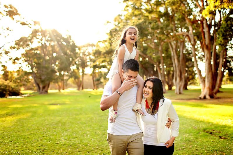 Sydney Family photography, Nav A Photography, Nava photography, Sydney family portraits, Sydney, canon, professional family portraits, outdoor family portraits, centennial park, Randwick, fun family portraits